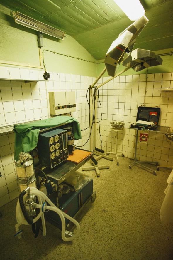 Pod Thomayerovou nemocnicí se nachází třípatrový atomový kryt.