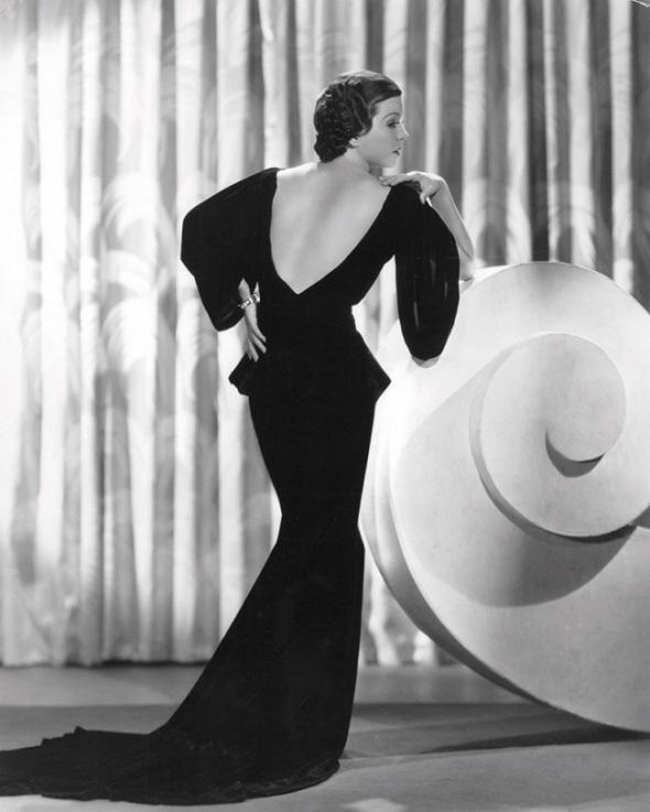 3) 1930: První éra sexy křivek