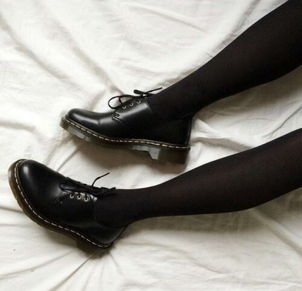 1. Dámské vycházkové boty celoroční kožené – 1 481,05 Kč